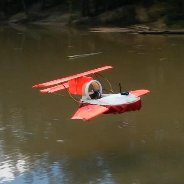 Model Hoverwing over Hogmoor Pond